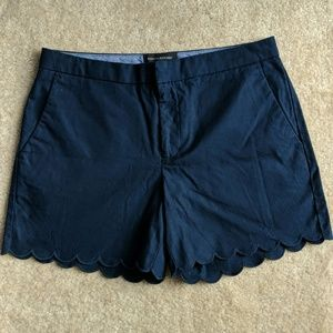 Banana Republic scalloped navy shorts ⛵